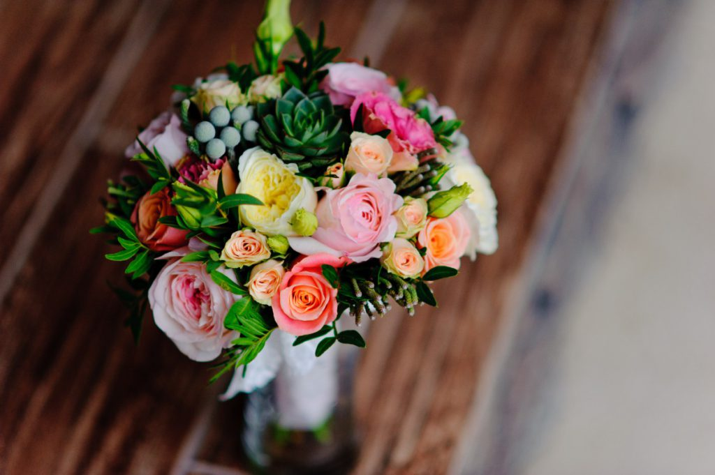 Repro Eko wedding flowers_pexels
