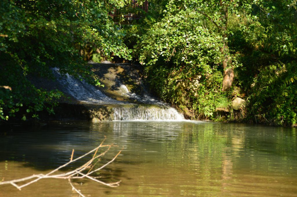 Repro Eko waterfall